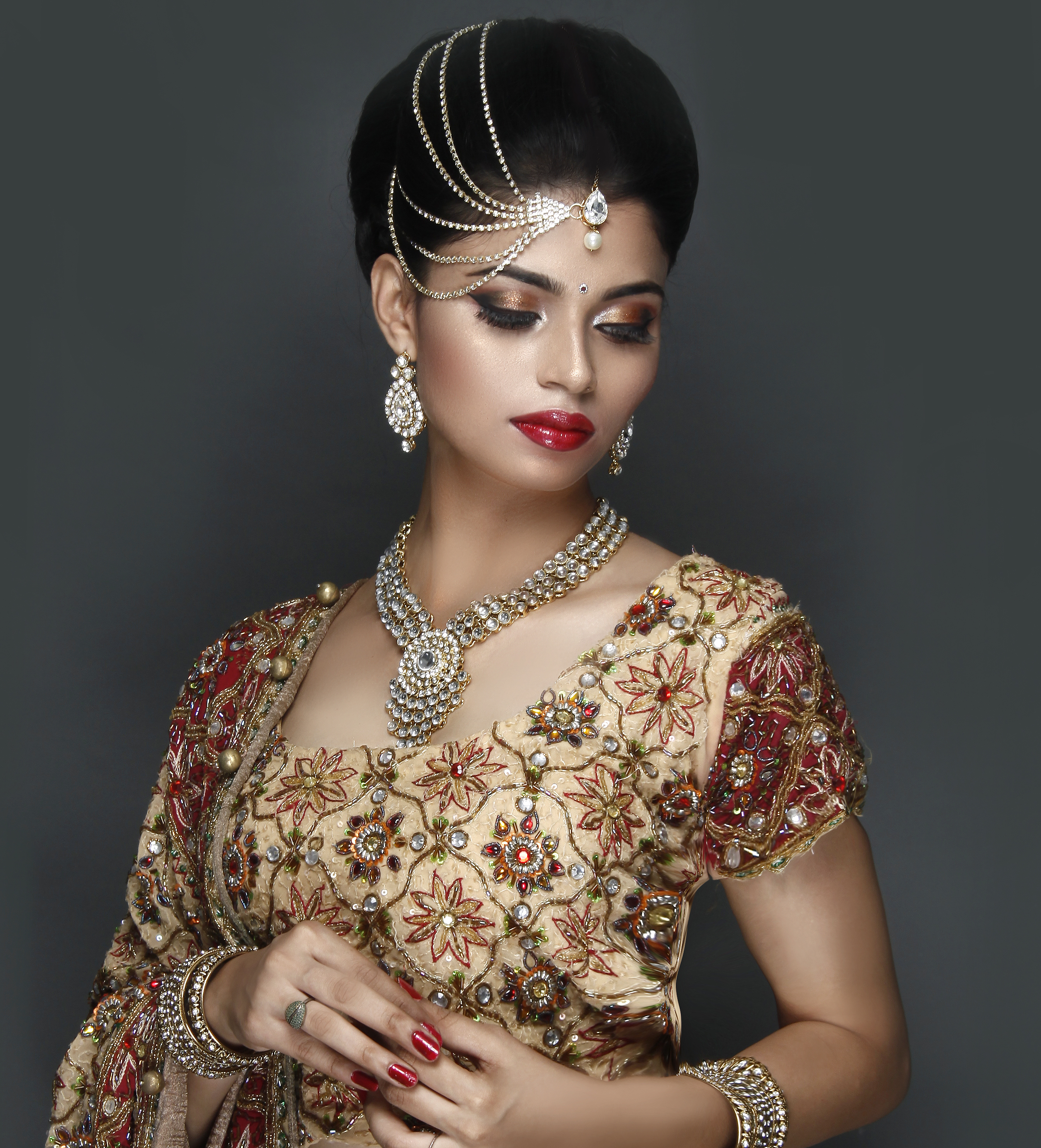 Wedding Hairstyle And Makeup: Bridal Makeup Classes In Mumbai